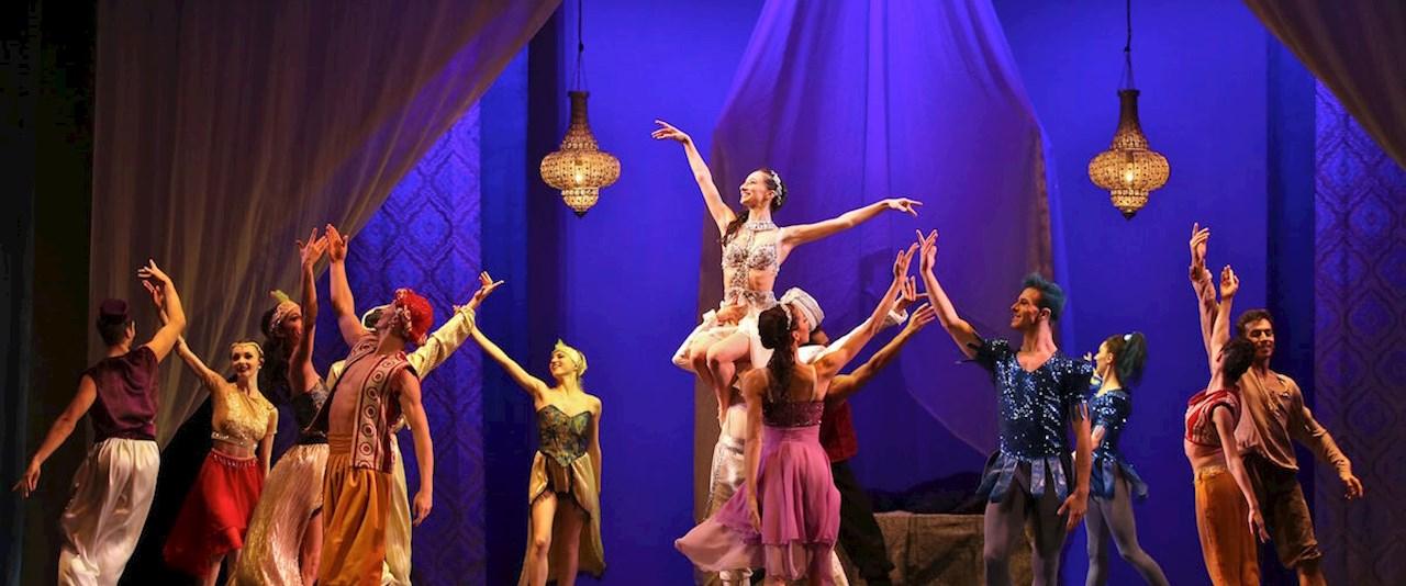 <a href='dettagli.aspx?c=1&sc=3&id=40&tbl=eventi'><div class='slide_title'><h3> Le mille e una notte di Shéhérazade</h3></div><div class='slide_text'><span>DOMENICA 03 MARZO 2019 ORE 17,00 -&#160; balletto in due atti su musiche di Aram Khachaturian e Rimsky Korsakov - coreografie CP - Federico Mella e Alessandro Torrielli - scenografie Marco Pesta</span></div></a>